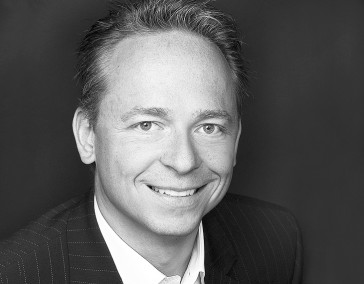 Dr. Frank  Meckbach