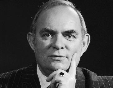 Dr. Mathias  Schmidt