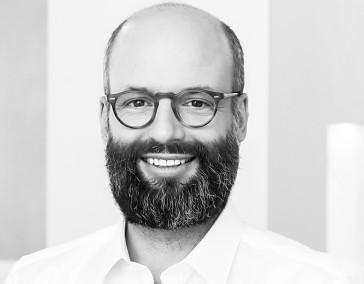 Dr. Frank Schütz
